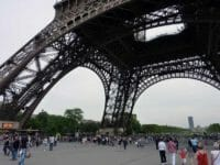 Torre Eiffel da sotto