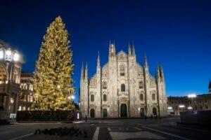 Milano: mercatino Obey Obey
