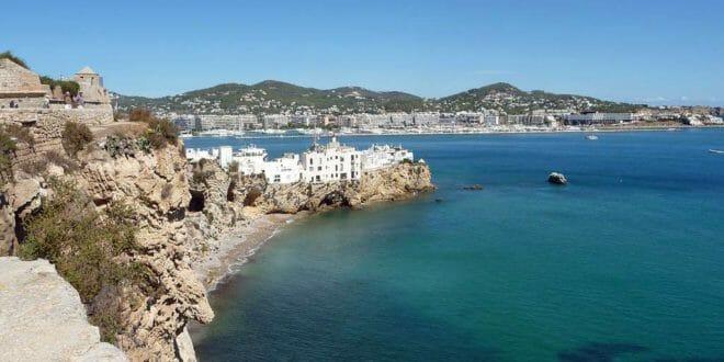 Pasqua ad ibiza tra discoteche spiagge e tradizioni 2017 for Last minute capodanno al caldo