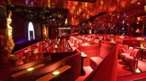 Il cabaret Lido a Parigi