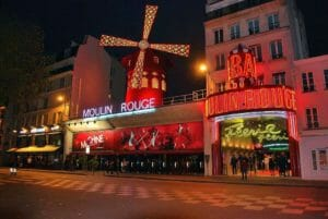 Parigi: il Moulin Rouge