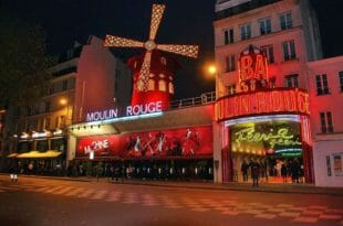 Parigi: il Moulin Rouge