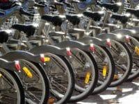 Velib a Parigi, biciclette parcheggiate